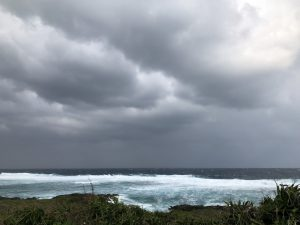 台風21号通過中